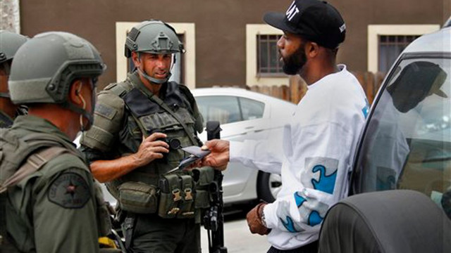 LAPDmanhunt4.jpg