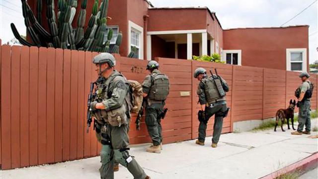 LAPDmanhunt.jpg