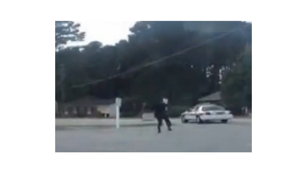 Video Fayetteville N C Officer Attacked Cruiser Stolen