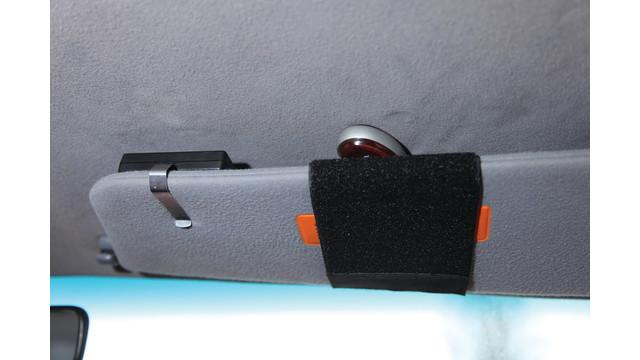 survisor-with-naa-pistol-full-_11141890.psd