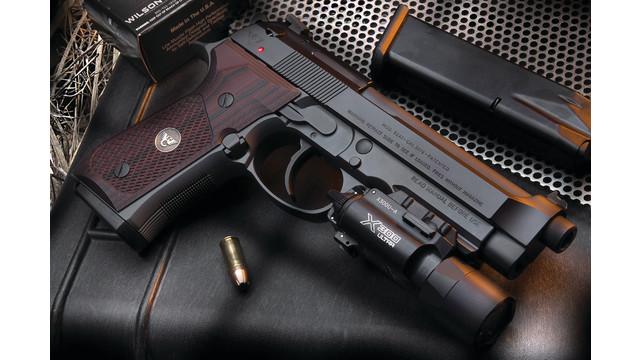 beretta-custom-handgun-pistol-_11355502.psd