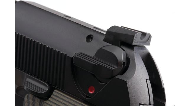 beretta-custom-sight-mounted_11355510.psd