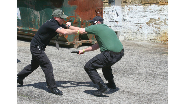 knife-fight_11383012.psd