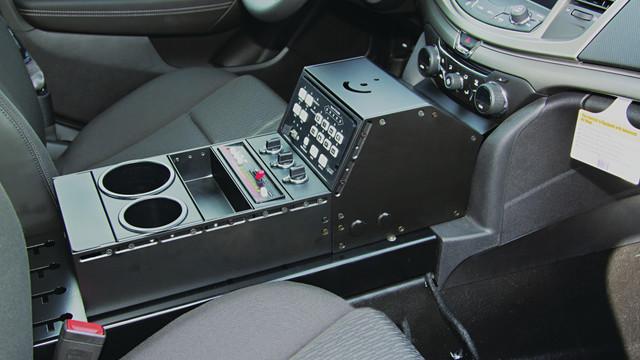 vh-cap14-in-car-web_11430921.psd
