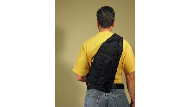 sling-on-back_11579773.psd