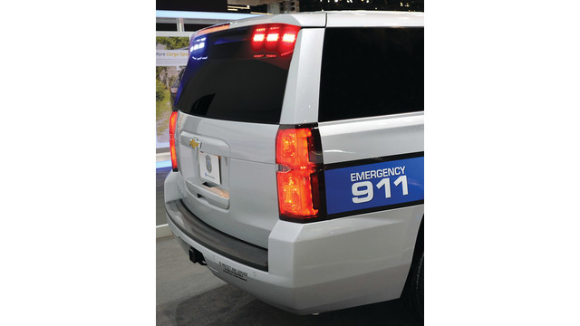 back-chevrolet-tahoe-ppv-chica_11598943.psd