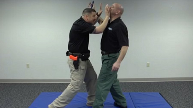 Edge Weapon Defense: Defensive Tactics
